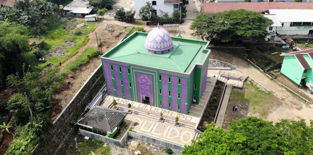 Foto Masjid Putra Dari Udara