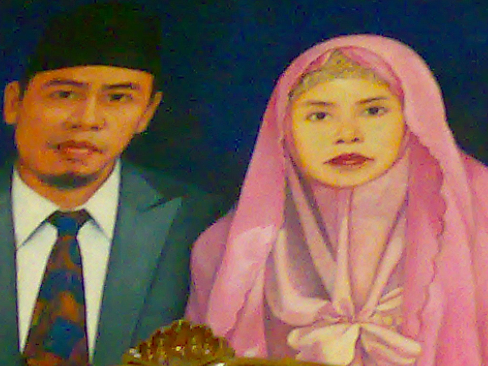Pendiri Pesantren (alm) Drs KH Ahmad Dimyati (almh) Nyai Hj. Sa`diyah, BA
