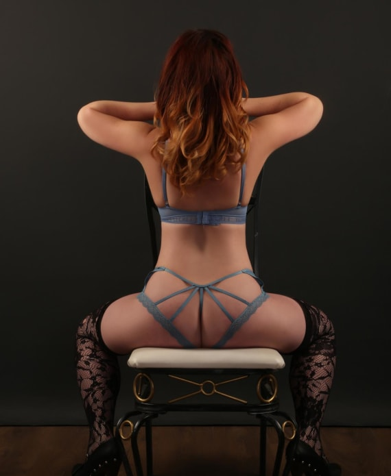 There are more pics of my curves for request