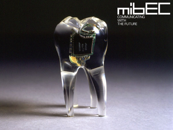 Audio tooth implant