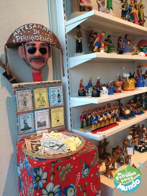 Artesanatos de Pernambuco no Marco Zero em Recife - PE