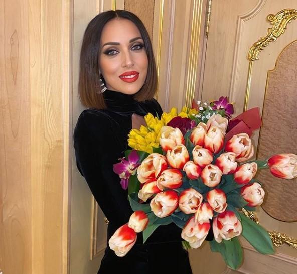«Леша, ты все знаешь!»: Алсу поздравила Алексея Чумакова с днем рождения