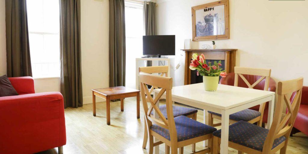 la-rochelle---living-room