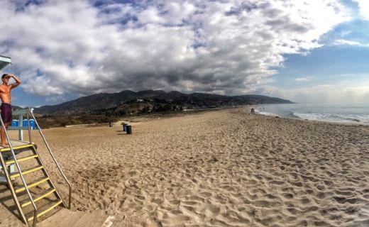 Plavčík na pláži