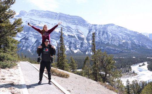 Tůra v kanadských horách ve dvou