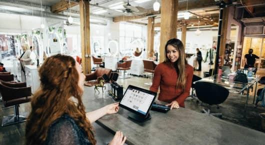 Vyšší odborné studium v zahraničí? A proč ne? Vyber si obor na ILAC College Sales and Marketing v Kanadě!