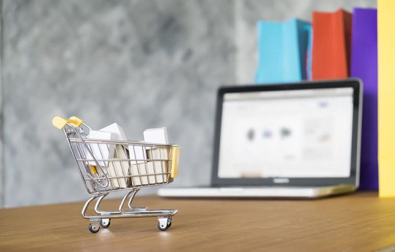 cesta de compras online com CPF na nota fiscal