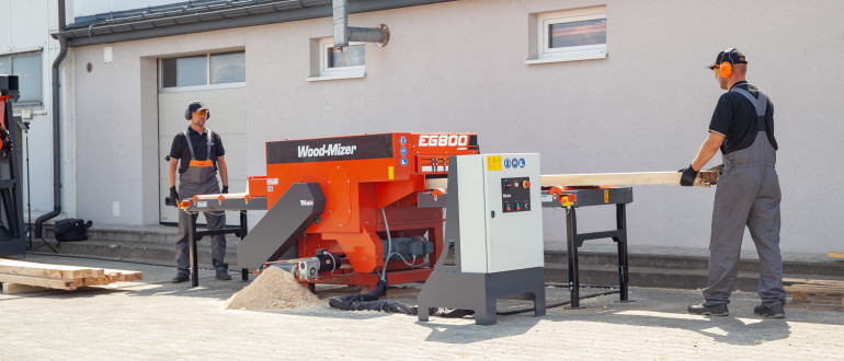 Wood-Mizer TITAN Manual Board Edger Action