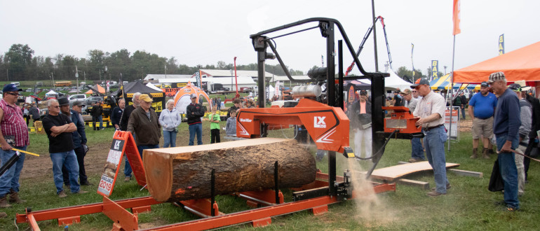 Wood-Mizer LX250 twin rail portable sawmill in action