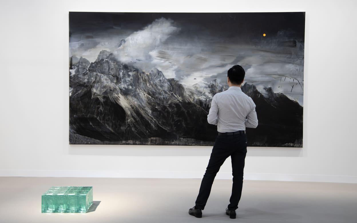 Exhibition Stand Galleries : Art basels show in hong kong hong kong