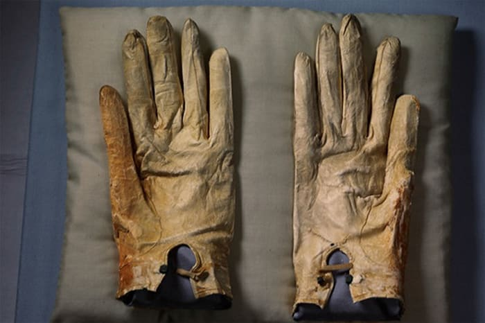 The gloves that Abraham Lincoln wore the night he was assassinated, Abraham Lincoln Presidential Library and Museum, Springfield, Illinois by Annie Leibovitz