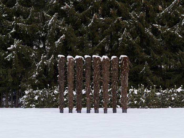 Eight columns for the winter by Kilian Rüthemann