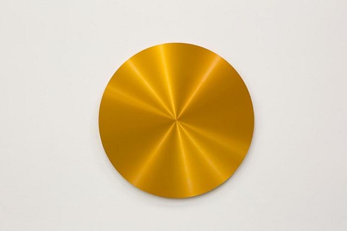 Disque Anodisé orange by Ann Veronica Janssens