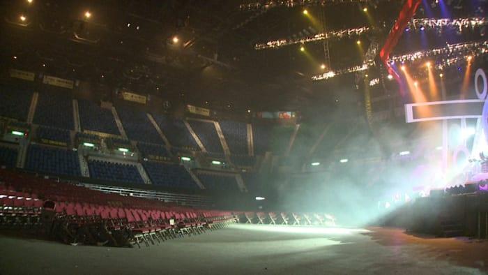 March 14, Hong Kong Coliseum by Hsu Chia-Wei