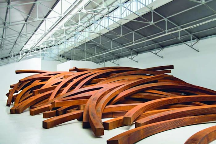 Effondrement:Arcs by Bernar Venet