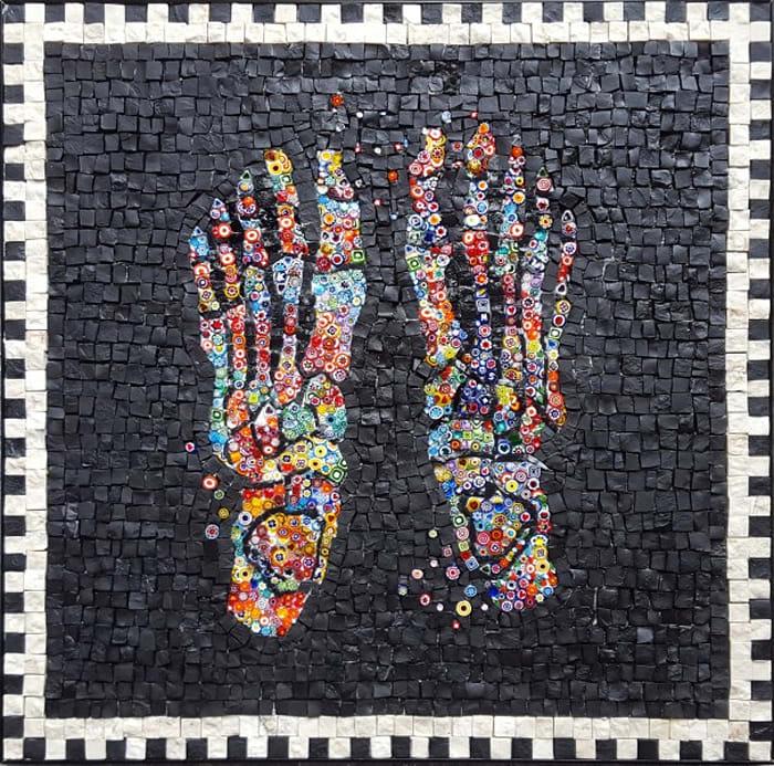 A Piedi Nudi A Murano (Bare feet in Murano) by Cinzia Ruggeri