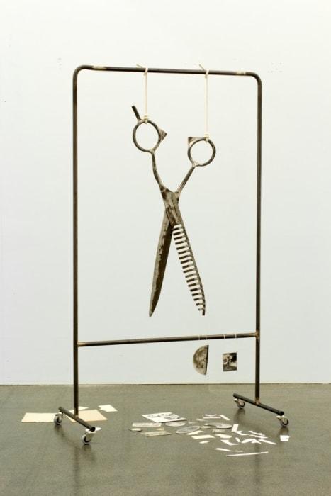 Room for anxious objects (Raum für ängstliche Gegenstände), by Eva Kotátková
