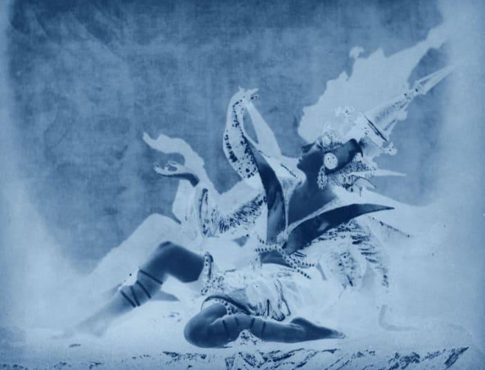 neg◊bal_01 by Thomas Ruff