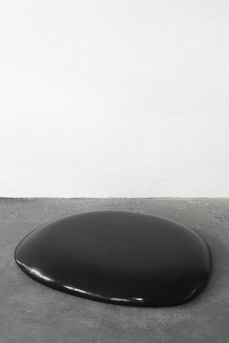 Gummi (black) by Thomas Grünfeld