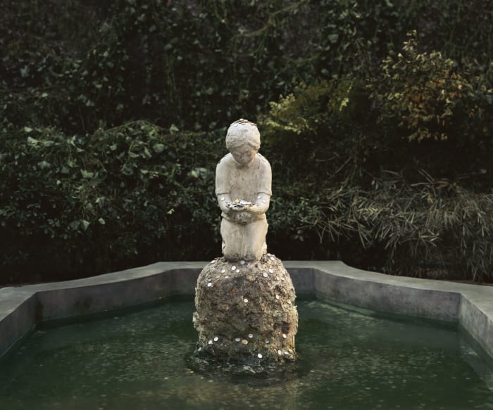 A Boy in the Fountain Basin by Chen Wei