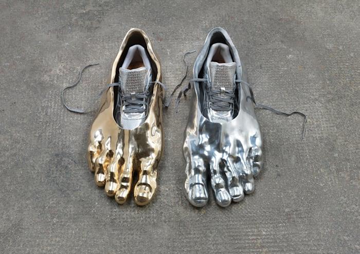 A Burgher of Calais / The Feet of Eustache de Saint Pierre by Asta Gröting
