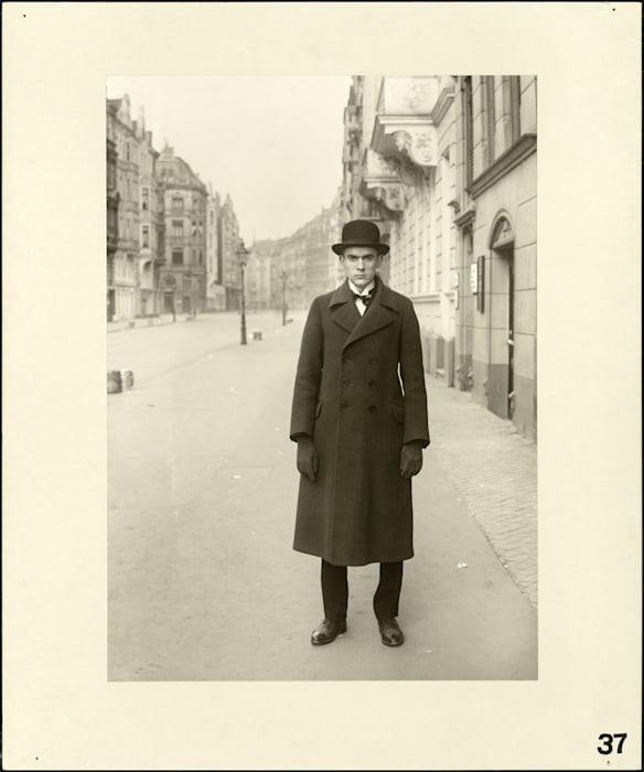 The painter (Anton Räderscheidt), 1926 by August Sander