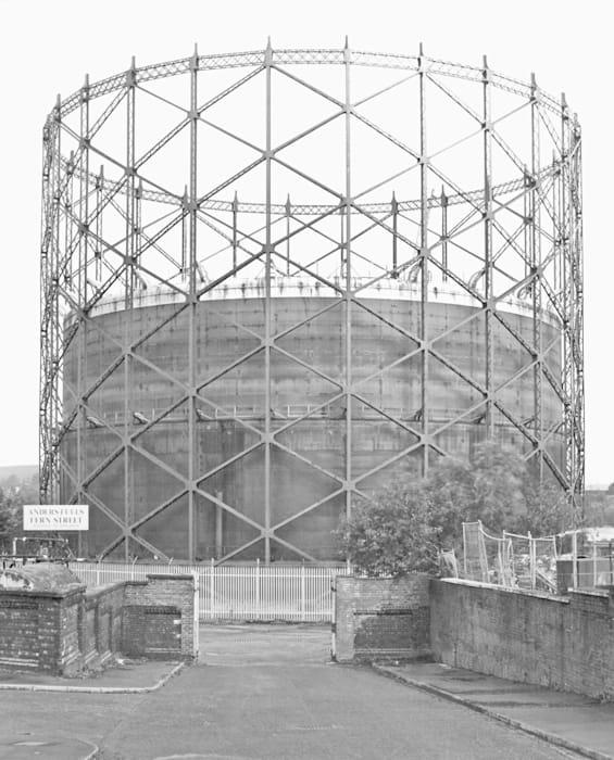 Teleskopgasbehälter Rochdale, UK by Bernd & Hilla Becher