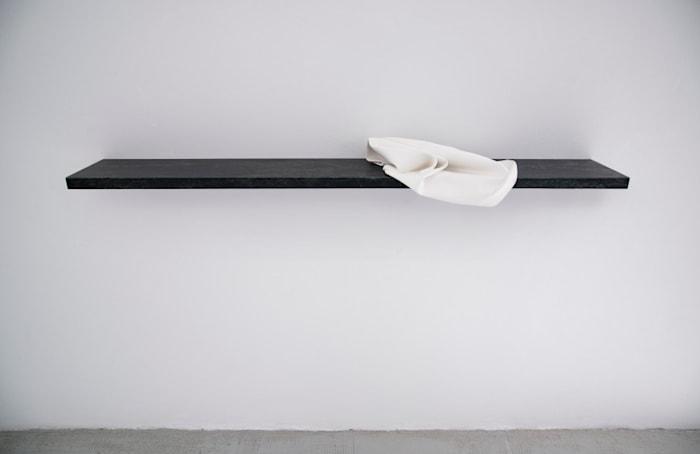 Stilleven (Nature morte) by Lili Dujourie