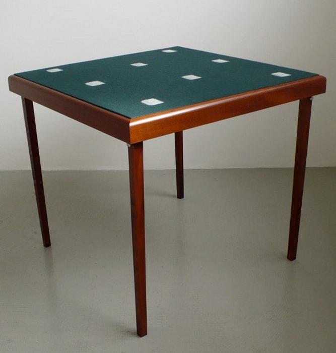 Table-tableau by Niele Toroni