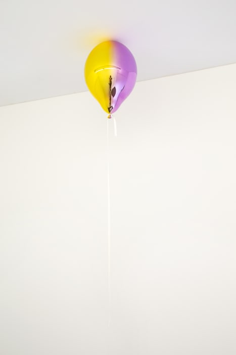 Medium Yellow and Medium Purple Mirror Balloon (vertical) by Jeppe Hein