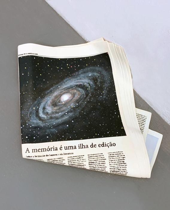 A memória é uma ilha de edição by Vanderlei Lopes