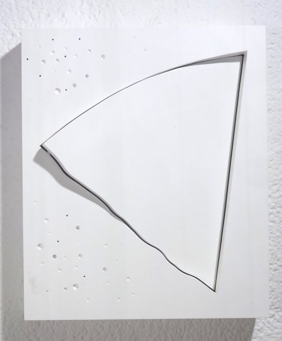 The Oblique 4 (White) by Yoshishige Saito
