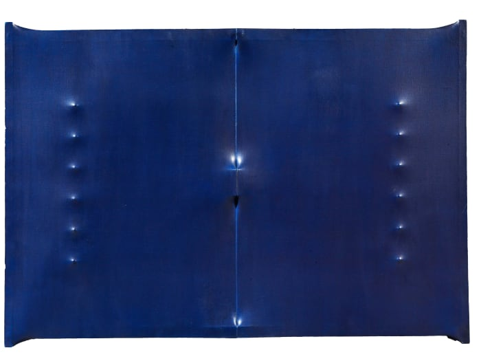 Superficie blu scuro by Enrico Castellani