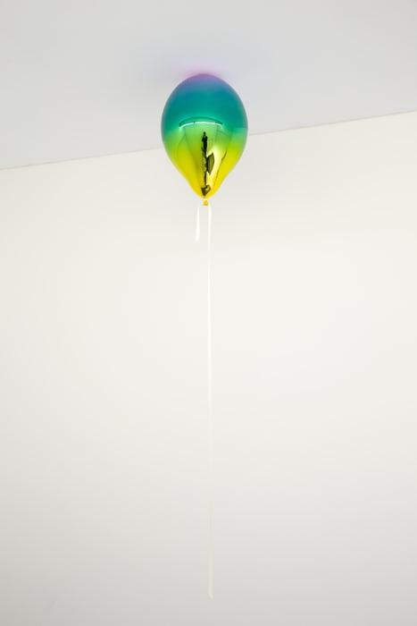 Light Violet, Medium Turquoise and Dark Yellow Mirror Balloon by Jeppe Hein
