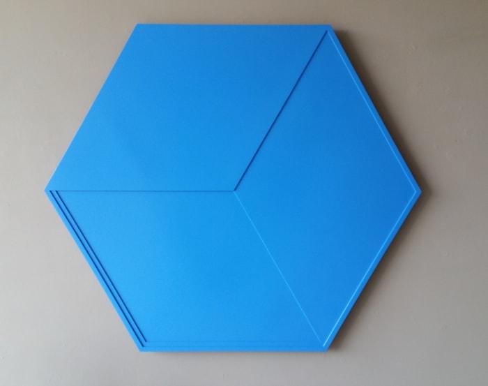 Zeshoek en ruit in overgang (Hexagon and rhombus in transition) by Ad Dekkers