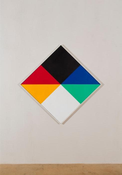transcoloration im hellen und im dunkeln by Max Bill