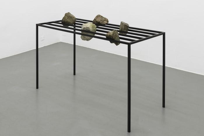 Stein-Tisch by Sunah Choi