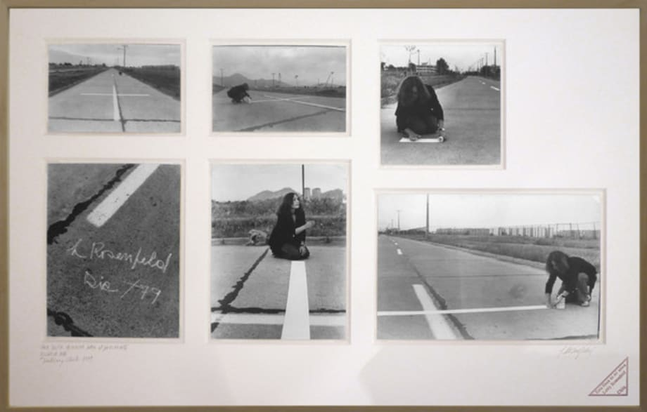 Una milla de cruces sobre el pavimento / A mile of crosses on the pavement by Lotty Rosenfeld