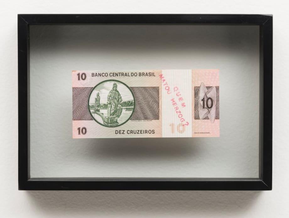 Inserções em circuitos ideológicos 2 - Projeto cédula - Quem matou Herzog? (Insertions in ideological circuits 2 - Banknote project - Who killed Herzog?) by Cildo Meireles