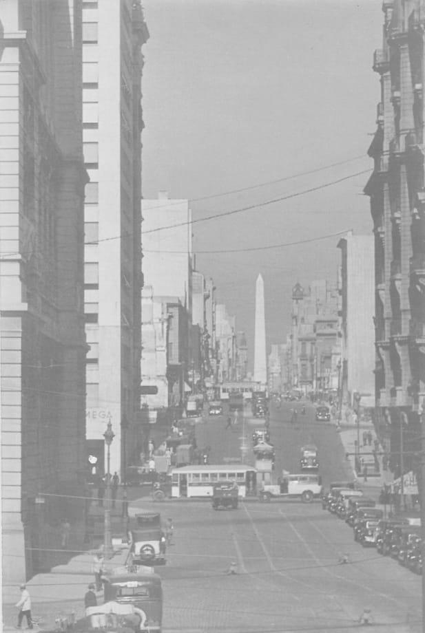 Buenos Aires by Horacio Coppola