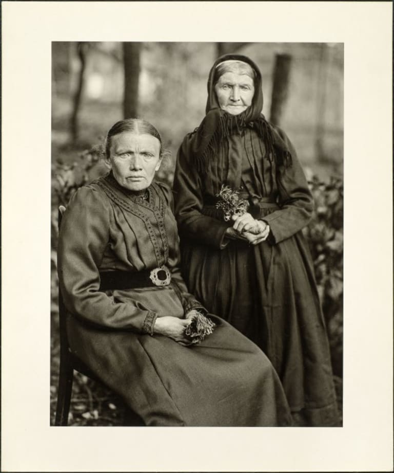 Mother and daughter, farmer and minor woman, 1912 by August Sander