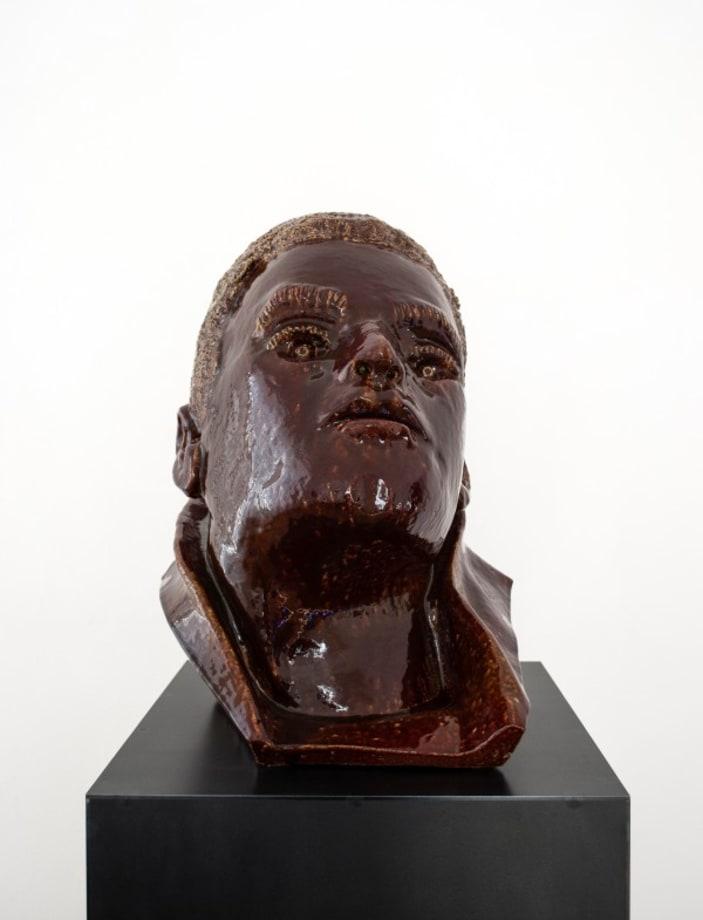Brauner Kopf by Thomas Schütte
