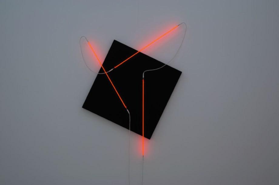 Néons 3D : 60°-90°-35° by François Morellet