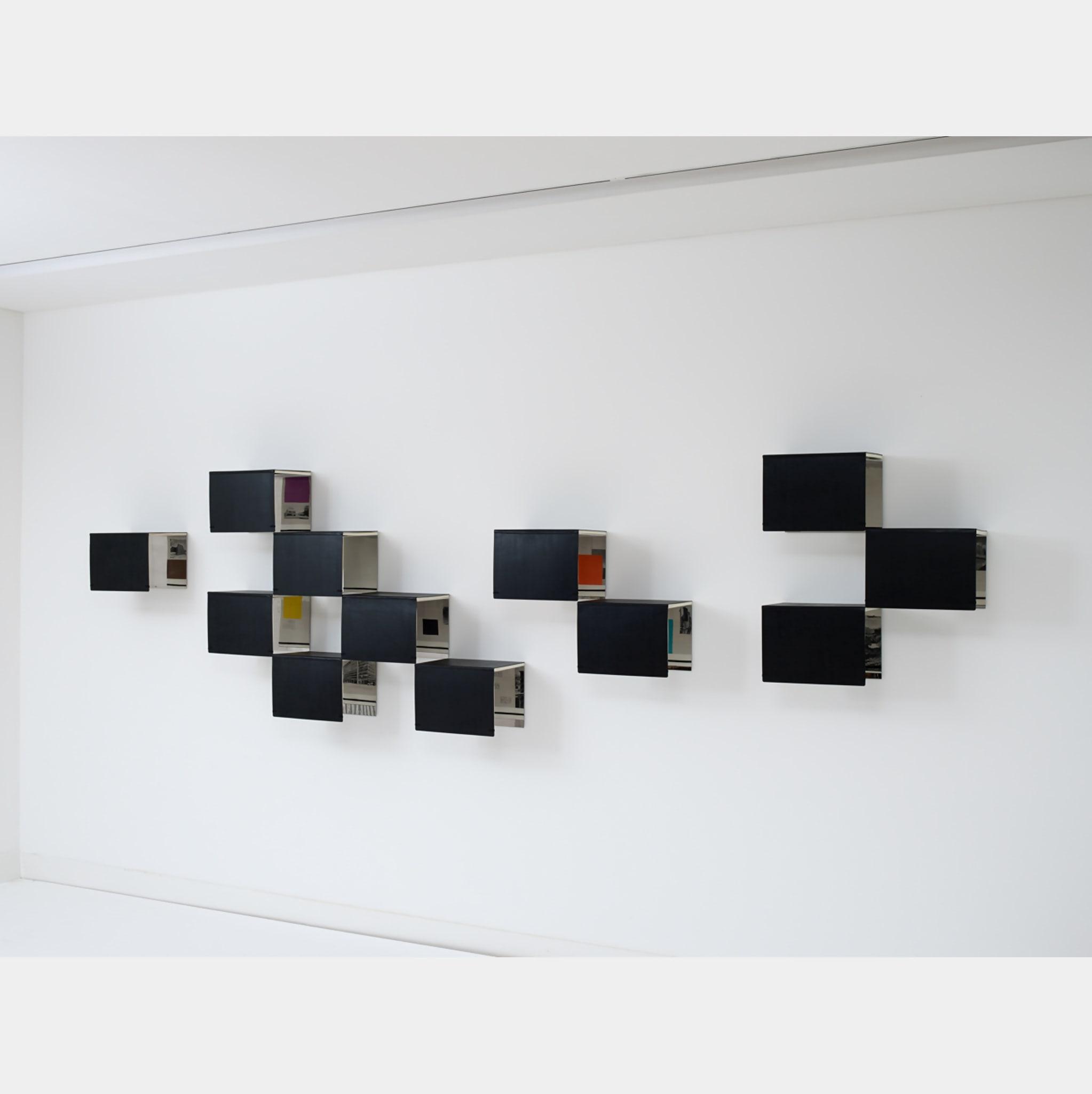 Common Front / Frente común by Fernanda Fragateiro