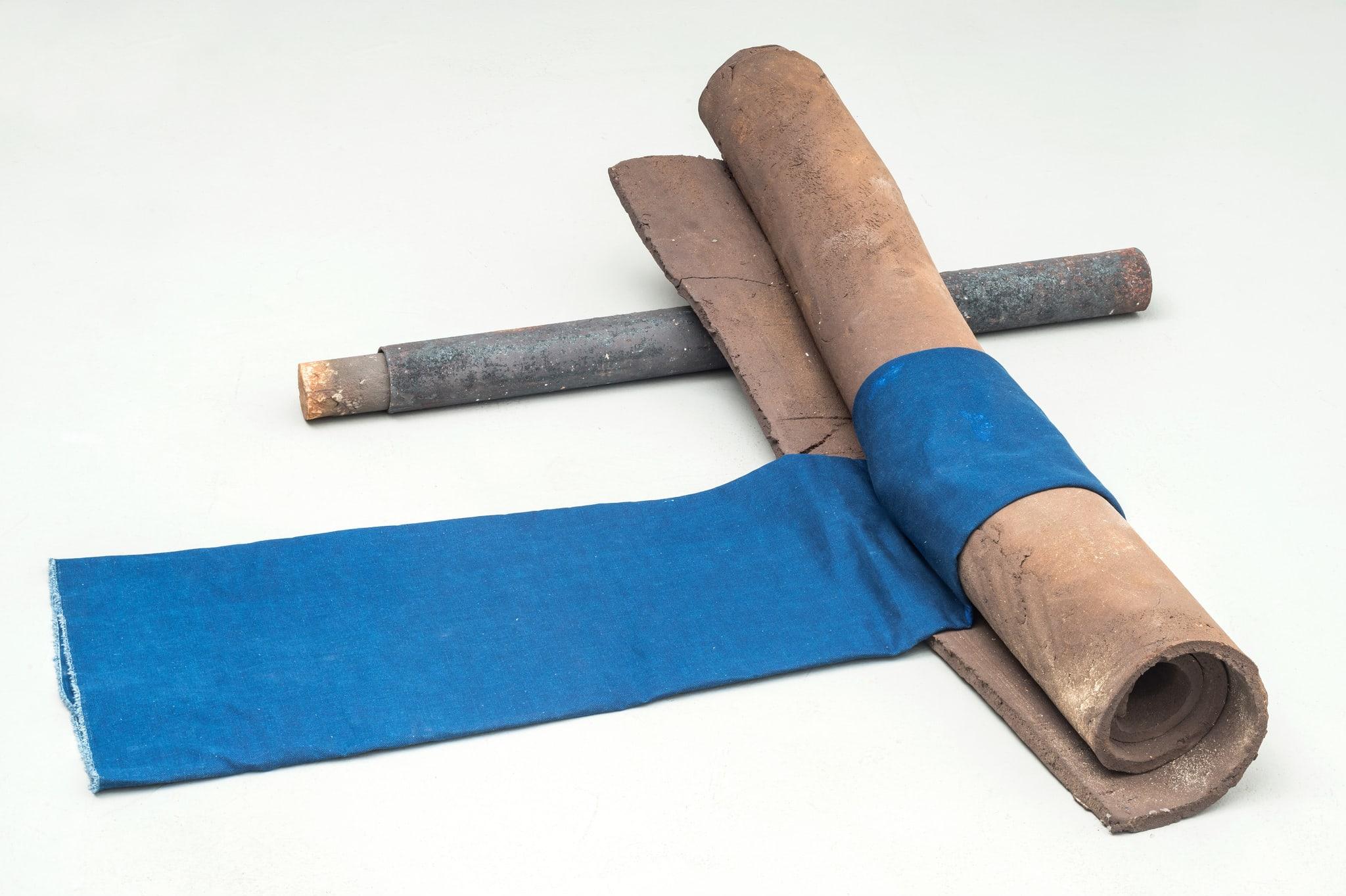 Grosse Kreise, blau by Katinka Bock