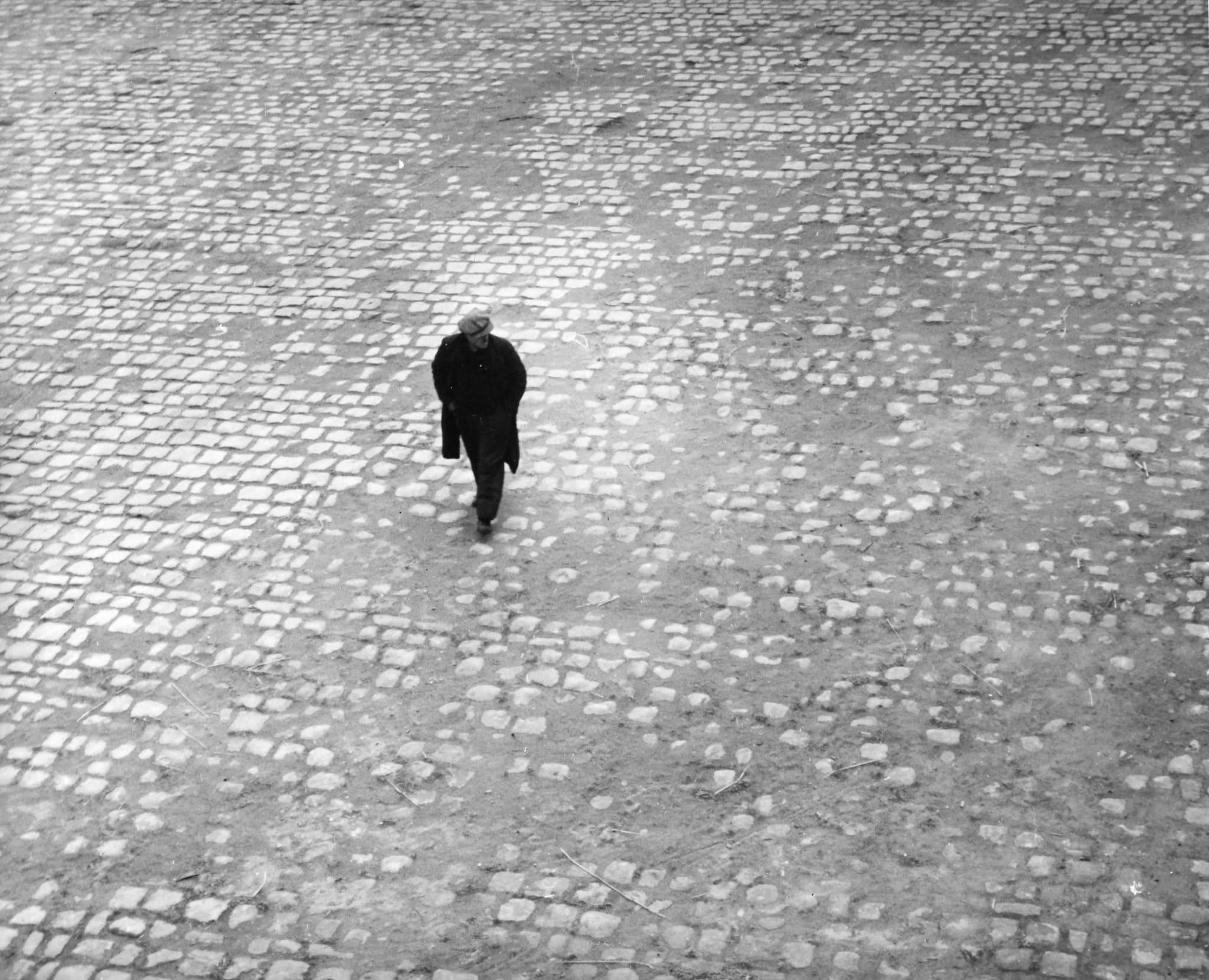 Sur le Quai, Paris by André Kertész