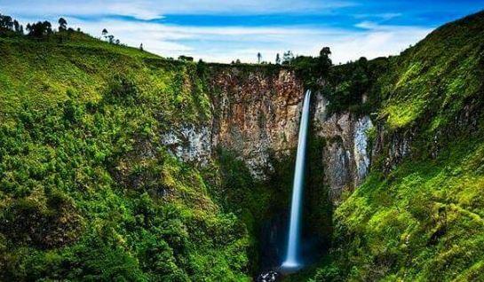Pesona Sigura-gura Air Terjun Tertinggi di Indonesia