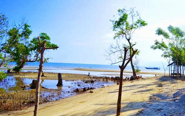 Destinasi Wisata Pantai Muara Indah
