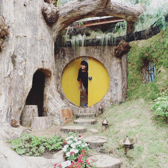 Bermain Dirumah Hobbit Farmhouse Lembang Bandung