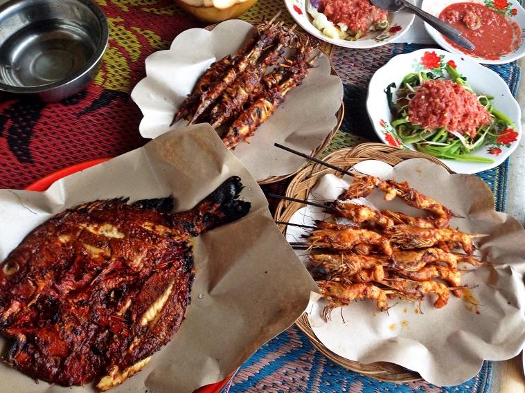 Ikan bakar di Pantai Nipah Lombok NTB